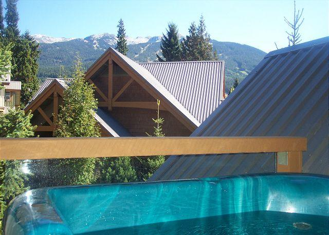 Private Hot Tub - 71 Glaciers Reach this 2br home has a hot tub & pool in Whistler Village - Whistler - rentals