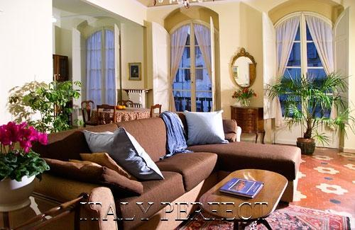 Prisco Living Room - Perfect Best Florence Historic Center-A+ Reviews - Florence - rentals