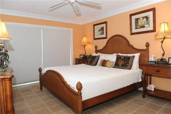Beautifully decorated ocean-front 2BR condo #22 - Image 1 - Seven Mile Beach - rentals