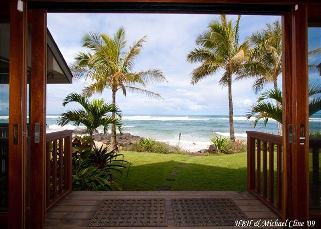 $950/night Fall Special !!! Absolute Luxury on Sublime North Shore Beach - Image 1 - Haleiwa - rentals