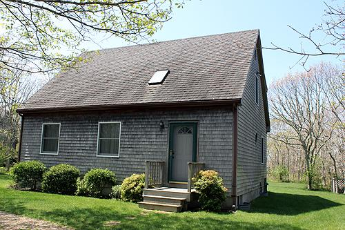 1270 - VINEYARD CAPE OLNY MINUTES FROM TOWN AND BEACH - Image 1 - Edgartown - rentals
