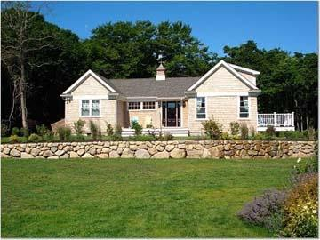1553 - GUEST HOUSE WITH STATE OF THE ART KITCHEN & NICE WATERVIEWS. - Image 1 - Gay Head - rentals