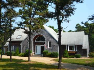 261 - KATAMA VACATION HOME SET AMOUNG ISLAND OAKS & PINES WITH A NICE YARD AND LARGE DECK - Image 1 - Edgartown - rentals