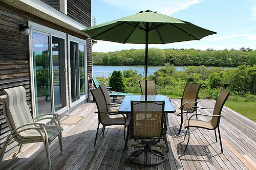 602 - WONDERFUL, ATTRACTIVELY DECORATED WATERFRONT HOUSE LOCATED ON EDGARTOWN GREAT POND - Image 1 - Edgartown - rentals