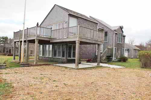 733 - ENJOY BEAUTIFUL WATERVIEWS AND AIR CONDITIONING AT THIS PERFECT SUMMER GETAWAY! - Image 1 - Edgartown - rentals