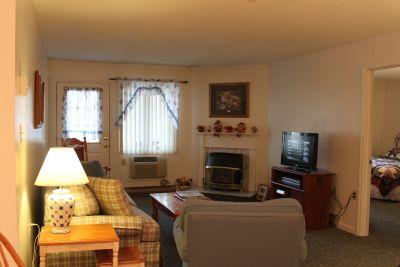 2BR condo with fireplace, walk-in closets - B2 214B - Image 1 - Lincoln - rentals