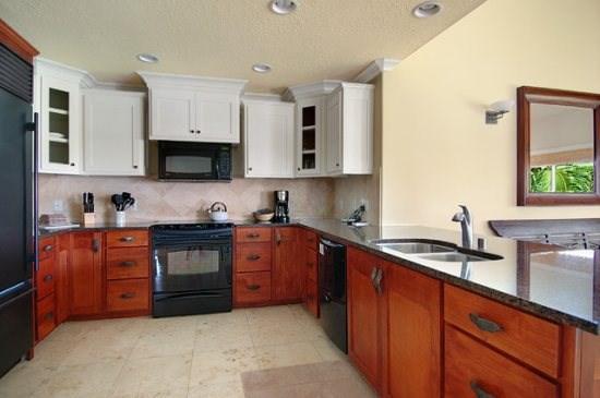 kitchen - Regency Villas 220 - Luxurious greenbelt property with air conditioning in popular Poipu - 4 bed / 3 bath - Poipu - rentals