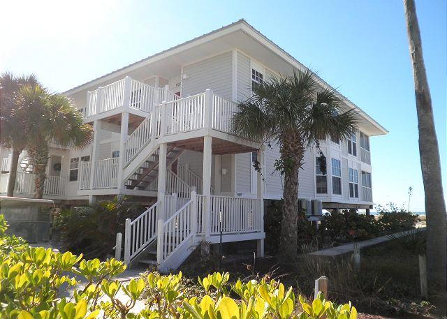 Beach & Gulf Villa at Palm Island Resort with All Resort Amenities - Image 1 - Placida - rentals