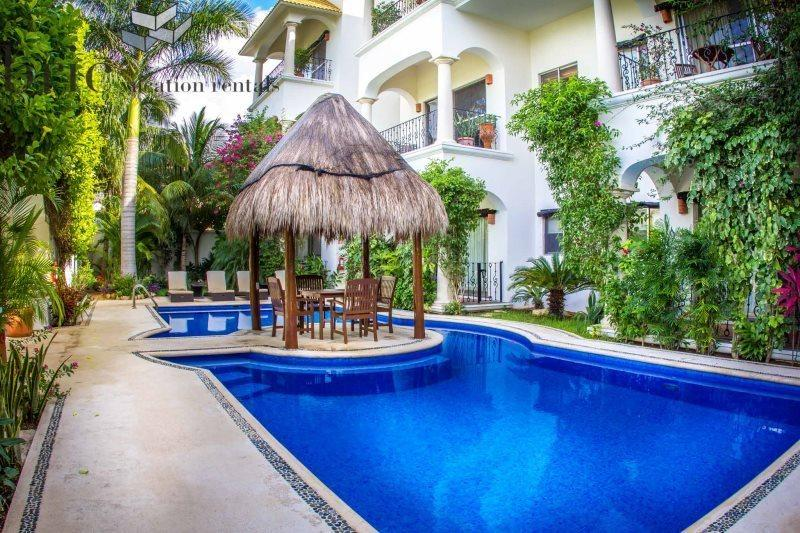 Beautiful 1 Bedroom Property with Fantastic Pool by 5th Avenue and Beaches - Image 1 - Playa del Carmen - rentals