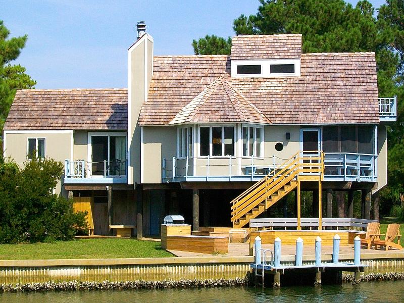 Chincoteague's Spinnaker Vacation Rental  Home from the   Water across from Assateague Island - Special:Aug & Sept -  4 bed/4 bath Waterfront Doc - Chincoteague Island - rentals