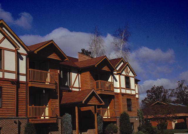 Exterior - Ski Harbor #39 - McHenry - rentals
