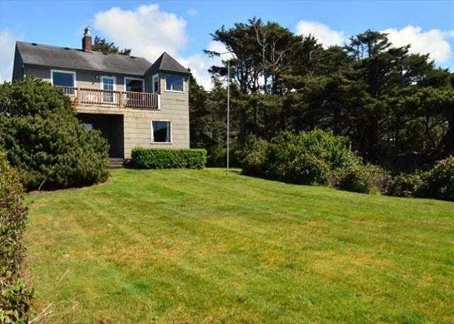 MCKINNON'S BEACH HOUSE - Image 1 - Rockaway Beach - rentals