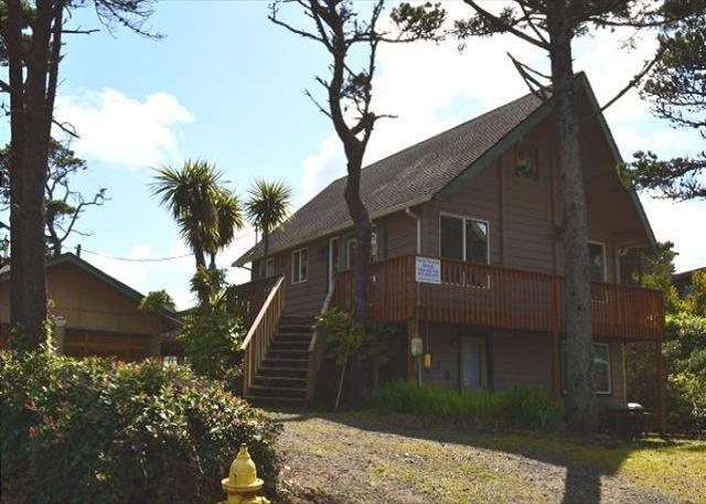 SAND & SURF - Image 1 - Rockaway Beach - rentals