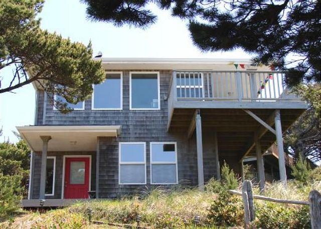 Street Side - TRANQUIL TREASURE in Manzanita OR - Manzanita - rentals
