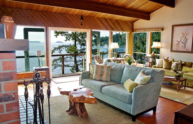 Enter to a Waterfront View w/ a large living room & fireplace. Open concept to kitchen & dining room - Renovated Waterfront Beach w Fireplace NEW kitchen - Bowen Island - rentals