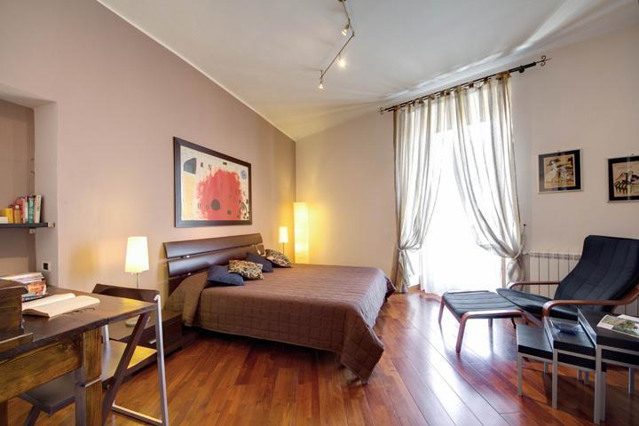 double room with balcony - Stylish top floor in San Lorenzo neighborhood - Rome - rentals