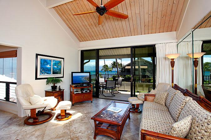 Ocean Front 2 Bedroom Deluxe Condo Unit 10 - Image 1 - Lahaina - rentals