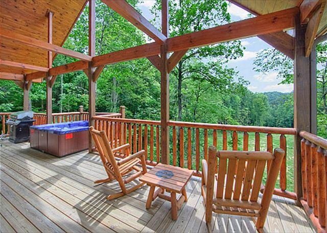 Romantic 2 bedroom with 2 master suites and 2 baths. - Image 1 - Gatlinburg - rentals