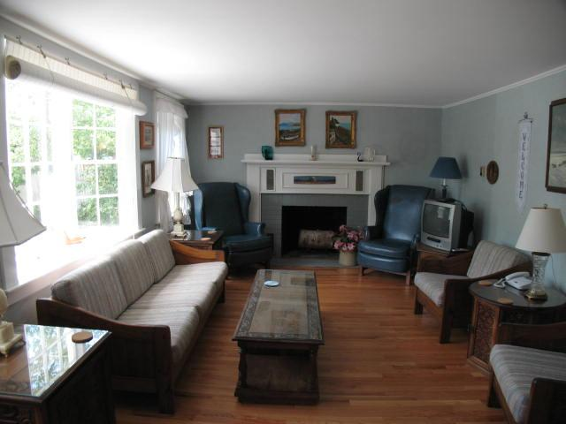 Living Room - Large Home with wood floors, 4 BR, 2 Bath with 3 A/C's - HA0287 - Harwich - rentals