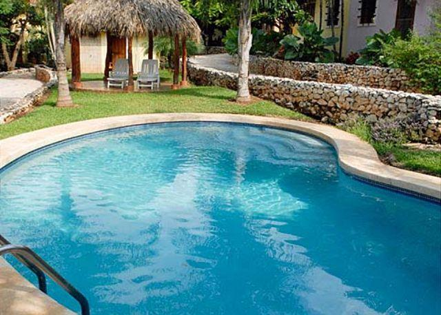 Pool with gazebo - Great condo- comfortably furnished, near town and beach, pool, a/c, internet - Tamarindo - rentals
