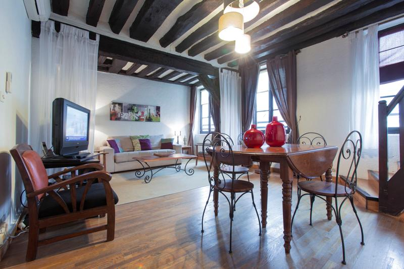 Glorious Paris Vacation Rental Apartment in Marais - Image 1 - Paris - rentals