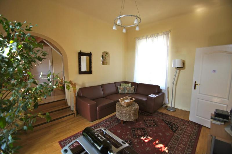 The Sarah Living Room - Apt. SarahBelle-Central, Quiet and Summer Savings - Budapest - rentals