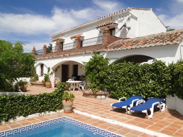 Oliver.  Lovely Villa, private pool, gardens, - Image 1 - Comares - rentals