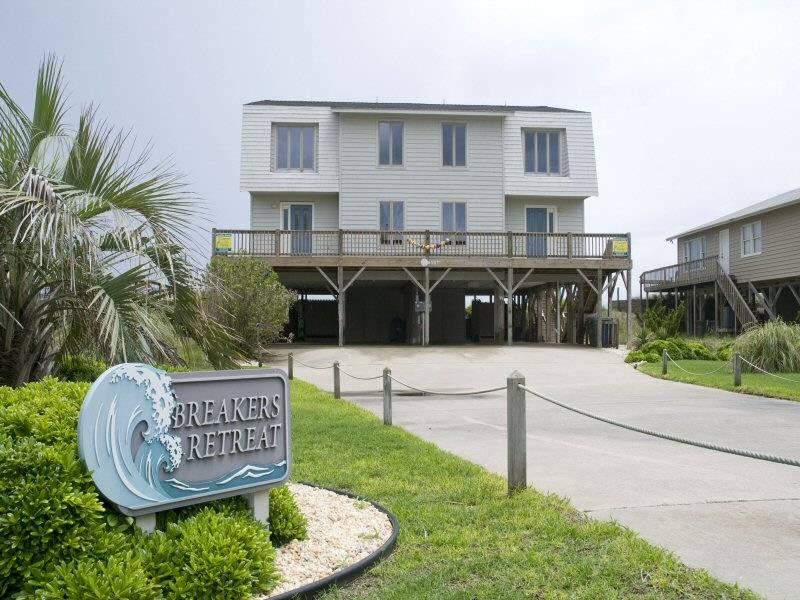 Breaker's Retreat East - Image 1 - Emerald Isle - rentals