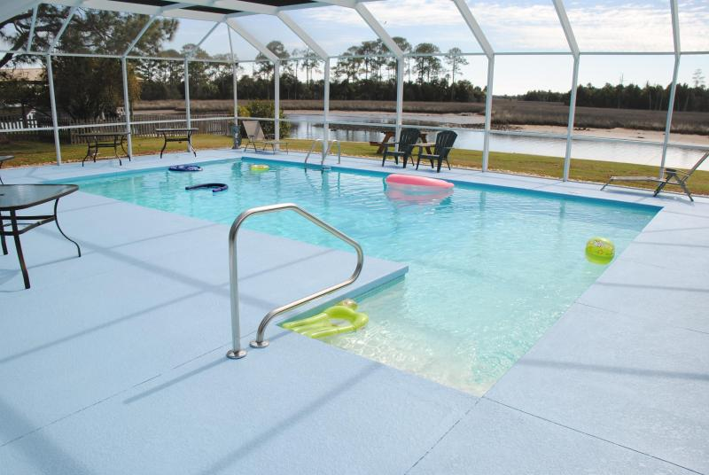 Fun for all at the pool - Native Vacations -Waterfront Manatee House - Crystal River - rentals