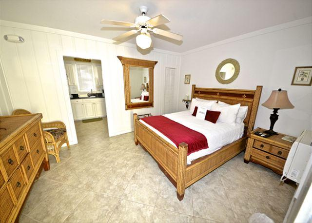 """Front Room Of Unit has Flat Screen TV, Queen Bed, Seating Area a - """"TRUMAN SUITE"""" 1 Block To Duval St. Great KW Deal. - Key West - rentals"""
