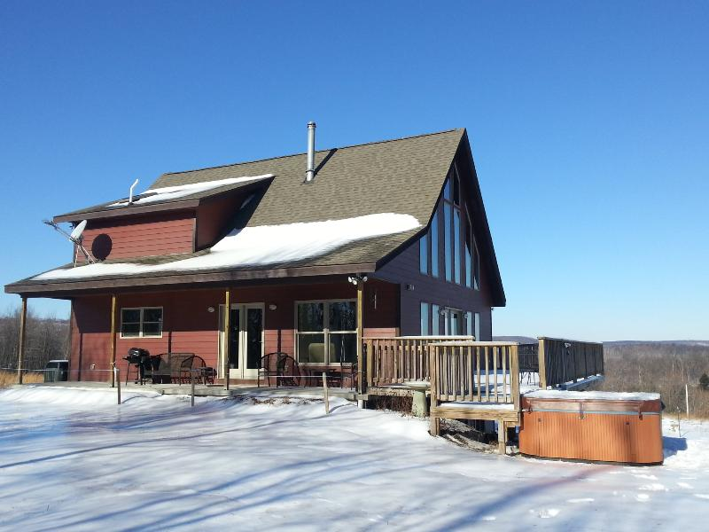 Exterior - Winter - Chic & modern decor. Backs to State Forest - Swanton - rentals