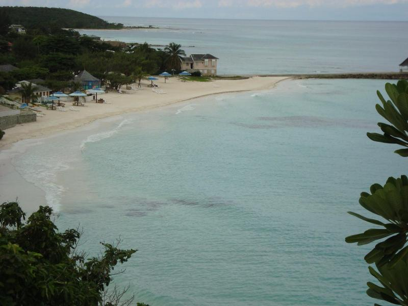 the coast line and your beach - Dreamin Villa in Silver Sands Estates, Jamaica - Silver Sands - rentals