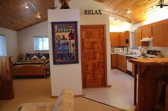 Upstairs open floor plan with abundant light - 2 bedroom Pet Friendly in Tollgate - Sisters - rentals