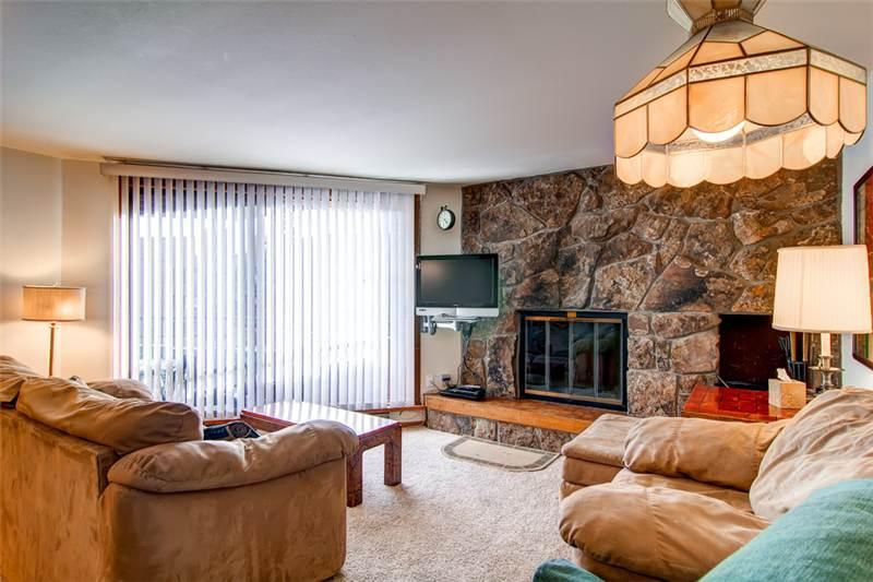 2 BR/2 BA, delightful condo, within walking distance to Lake Dillon Sleeps 7 - Image 1 - Dillon - rentals