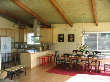 Open floor plan with large dining table - Nicely decorated 4-bedroom beach house close to ocean with views and ocean sounds - Aptos - rentals