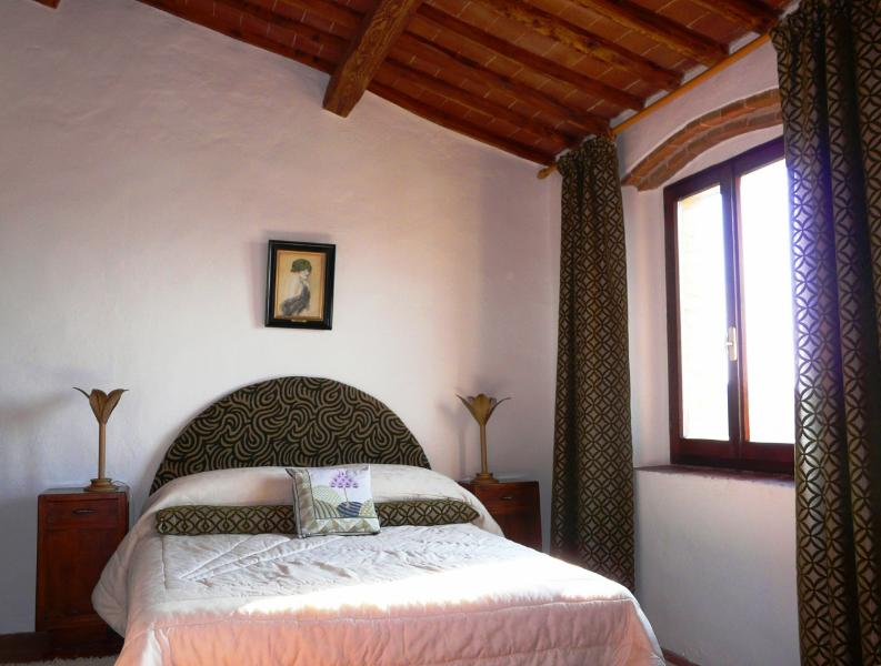 Caminetto west bedroom - Beautiful villa in Chianti, pool & sunset views - Castellina In Chianti - rentals