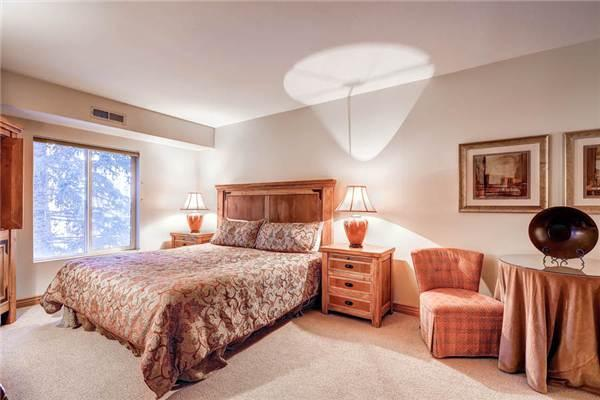 PARK STATION 223 B (HOTEL) Near Town Lift! - Image 1 - Park City - rentals