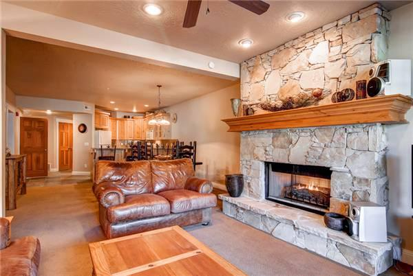 TOWN POINTE B203:  Walk to Town Lift! - Image 1 - Park City - rentals