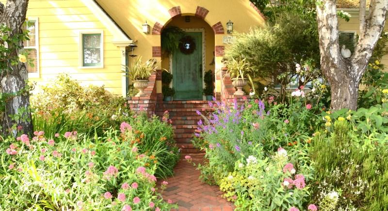 Rose Court Cottage main residence entrance in spring - Arcata Rose Court Cottage in Serene Garden Setting - Arcata - rentals