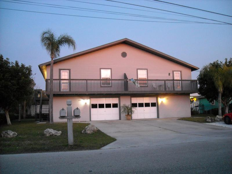 Front of property at sunset - Tired of hotels? Close to beaches and GREAT rates! - Fort Myers Beach - rentals
