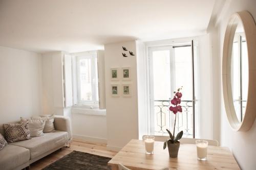 Apartment in Lisbon 49 - Graça/Alfama - Image 1 - Lisbon - rentals