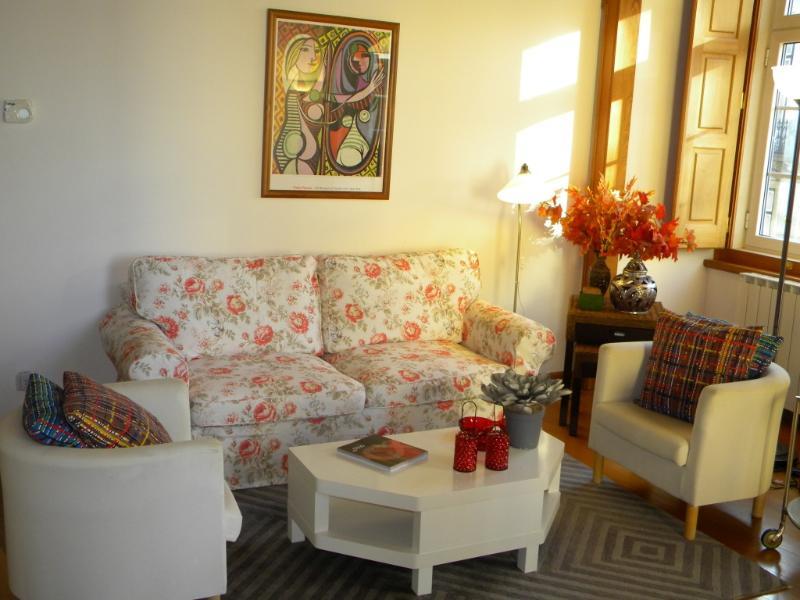 Apartment in Lisbon 54 - Castelo - Image 1 - Lisbon - rentals