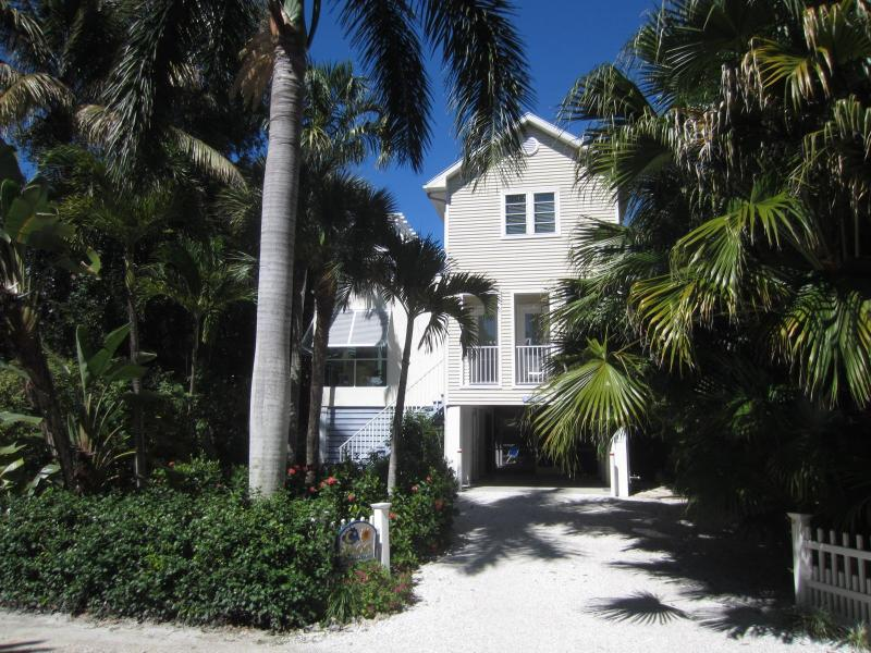 Sun & Moon House - Sun & Moon House - Special  May 30th week $1,595 - Captiva Island - rentals