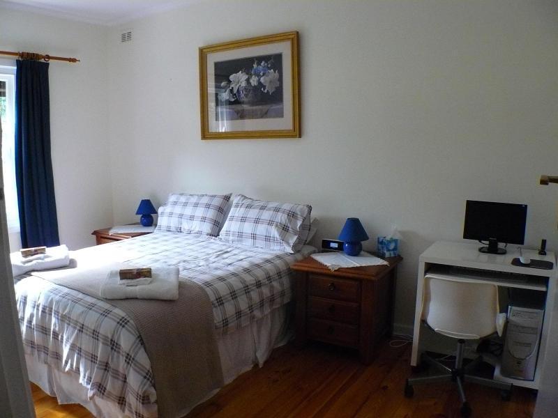 LANGMAN - Image 1 - Adelaide - rentals