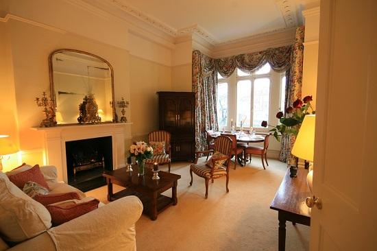 Living%20Room - South Kensington / Knightsbridge 1 bedroom (1201) - London - rentals