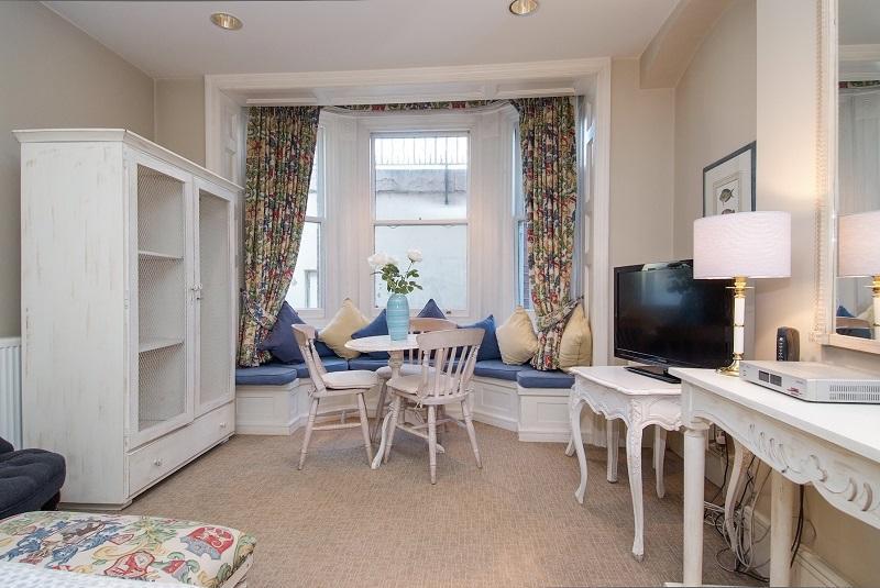 West End  Studio (1209) - Image 1 - London - rentals