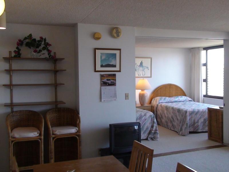 Waikiki Banyan - Waikiki Banyan Tower 1 Suite 2305 - Waikiki - rentals