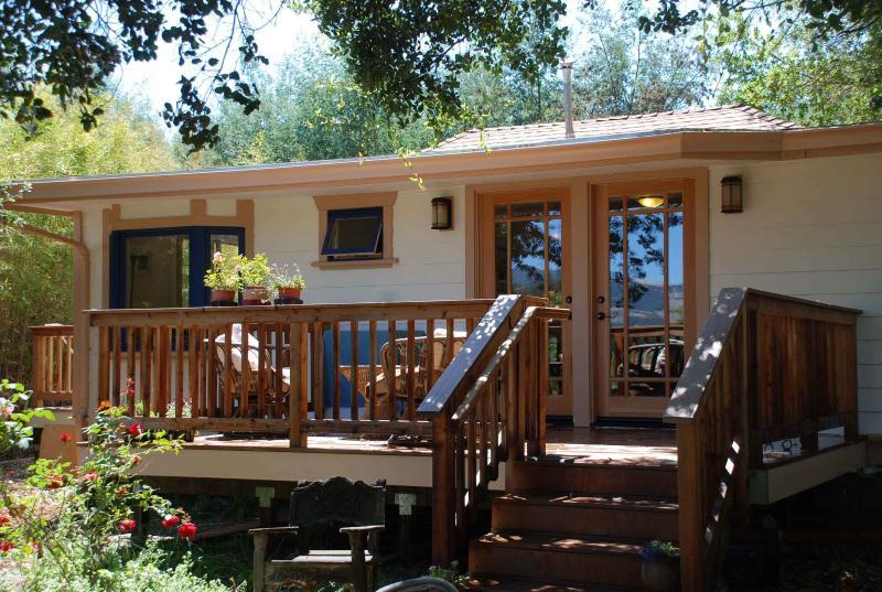 Penngrove Gardens Cottage, Petaluma, Sonoma County - Image 1 - Petaluma - rentals