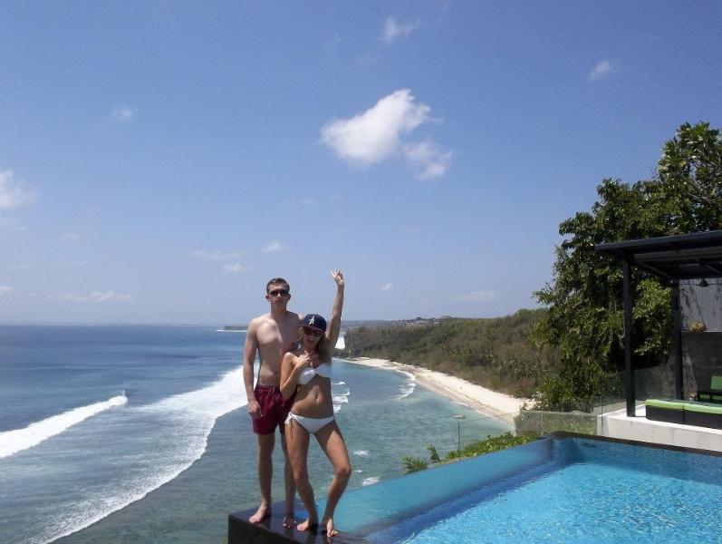 Suluban Cliff Villa infinity pool edge and aerial oceanview - Oceanfront Clifftop Suluban Cliff Villa Uluwatu - Bali - rentals