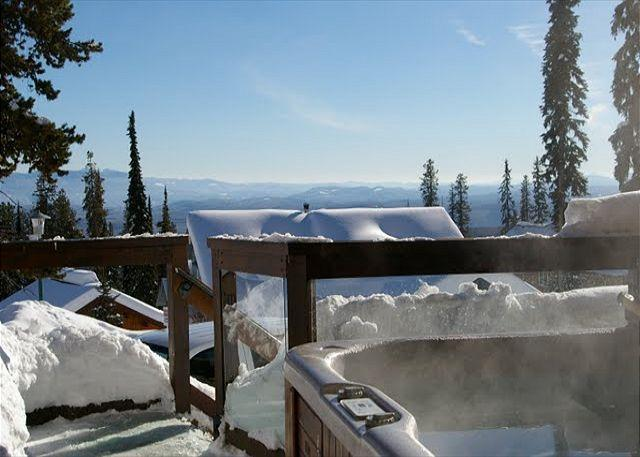 South Face C, Hot Tub, Big White, BC - South Face C Snowpines Estates Location Sleeps 7 - Big White - rentals